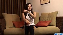 Brunette doll Yui Komine uses her lips to devou...