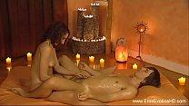 Сделал эротический массаж своей подружке