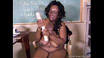 Sexy mature black teacher fucks her juicy pussy for you Vorschaubild