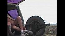 Geile Schlampe fickt Outddor mit dicken Titten- Fat Titts fucks outdoor Vorschaubild