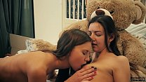 2 Lesbians college roommates have sex in front of teddy bear with a strapon dildo and receives cumshot in mouth. This is free preview trailler from Plushies TV starring Eve S and Rebeka Ruby and plush toy teddy bear Brownie with big black cock Vorschaubild