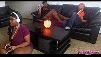 Gamer Girl's Boyfriend Gets Dick Bounced On While She Games thumbnail