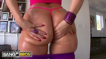 BANGBROS - English PAWG Paige Turnah Crosses Po...