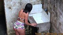 16508 Espiando a vizinha rabuda na favela e batendo uma preview