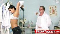 Czech babe Carmen Blue pussy spreader check up