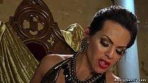 Male servant submits to tranny goddess
