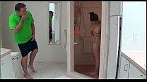 Novinha e coroa no banho pornhub video
