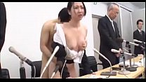 Japanese wife undressed,apologized on stage,hum...