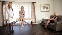 Image: Teaching mom and step-daughter - Cadence Lux, Briana Banks, Sandy Fantasy