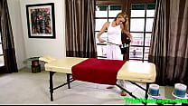 Sporty masseuse cocksucking her lucky client