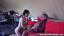 Young maid Veronica gets fucked by old Harry Vorschaubild