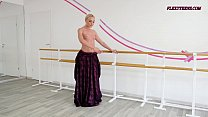 Anna Sigarga with gymnastics never seen before thumbnail