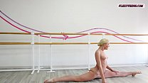 Anna Sigarga with gymnastics never seen before Vorschaubild