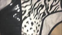 batendo punheta com a calcinha de zebra da tia gostosa sem ela saber