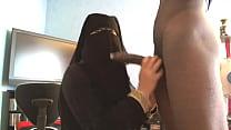 suceuse en niqab