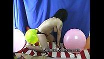 Balloon bounce hot