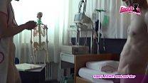 Krankenschwester fickt Patienten beim Userdate - german milf homemade Vorschaubild