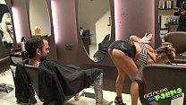 TIAS CON ROLLAZO. Corte de pelo con final feliz pornhub video