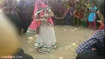 Bhabhiji Dancing On Bhojpuri Song In Gaon(video... Thumbnail