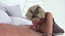 Hot MILF Sonia's husband lets her suck cock with a stranger Vorschaubild