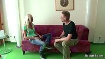 Stiefvater fickt junge Tochter mit geilen Titten Vorschaubild