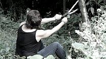 Cédille, abandonnée dans la forêt thumb