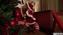 Santa gets his hard veiny cock sucked by Christmas bombshell Blue Angel - 69VClub.Com