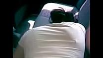1626 a lupita se la cojen en el asiento trasero video