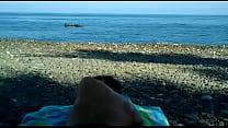 masturbandose en la playa porn image
