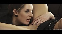 SEXART - Sex therapist Samantha Bentley undresses her client Paula Shy