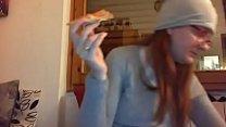 11764 Mangio la pizza con la mia figa pelosa tutta aperta davanti alla telecamera preview