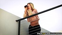 Brazzers - Milfs Like it Big - (Olivia Austin) - Sweet Treat For A Neighbor