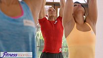 danielleforu » Fitnessrooms Sweaty Cleavage In A Room Full Of Yoga Babes thumbnail