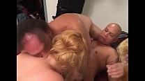 Amateur MMF Bisex Threesome - Blond BBW صورة