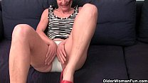 Mature mom gives her hairy pussy a treat thumbnail