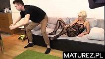 Polskie mamuśki - Dojrzała cycata matka lubi się bzykać z młodym studentem