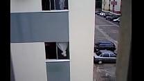 Filmando o vizinho dormindo nú