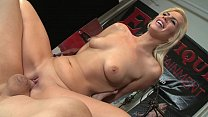 Tara Lynn Foxx deepthroats big cock