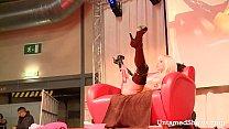 Sexy slut gets down and dirty on the stage Vorschaubild