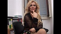 Nice Milf in squirting