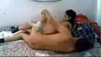تصوير منزلى وهو ماسك الموزه وقعد يلعب فيها نارى صورة