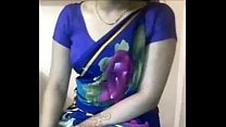 Sexy Desi Aunty boobs teasing in saree xdesitubes.com pornhub video