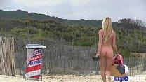 À la chasse de la coquine à gangbang dans son milieu naturel [Full Video] Vorschaubild