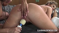Pornstars Claudia and Courtney playing with a hitachi缩略图