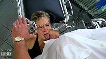 Die Angie und der Martin P. saufen zusammen und tauschen intensivs Körperflüssigkeiten aus Vorschaubild