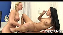 Wicked hotty is pissing on cam