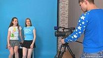 สองสาวมาถ่ายแบบเซ็กซี่ xxxตากล้องหนุ่มได้กำไรสุดๆจัดสองสาวไปพร้อมกันอย่างเสียว