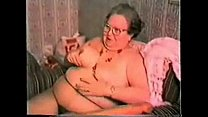 Very old granny loves big toy. Real amateur Vorschaubild
