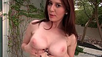 Amber Hahn Jiggly Titties thumbnail