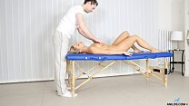 Mure cougar milks cock after hardcore massage - 9Club.Top